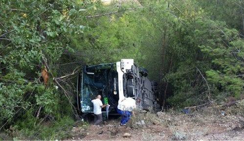 Turska: Autobus sleteo sa puta, povređeno 25 turista 3
