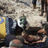 Ubijeno 10 civila u vazdušnim napadima sirijskih snaga u Idlibu 6