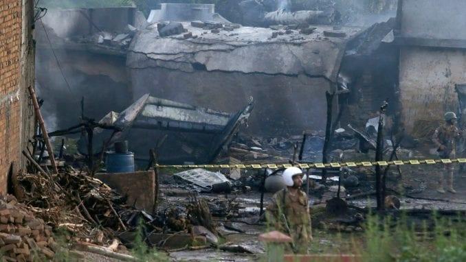 Osam mrtvih u bombaškom napadu na islamistički skup u Pakistanu 4