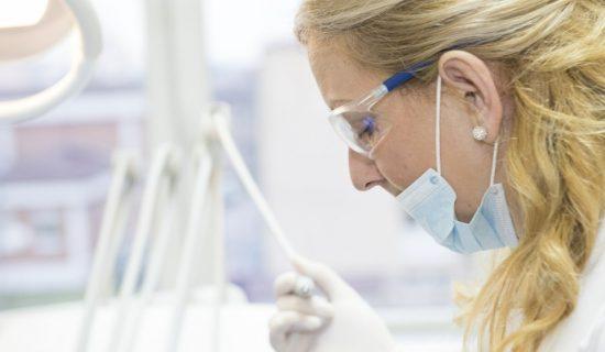Lep osmeh uz pomoć stomatološke ordinacije 7