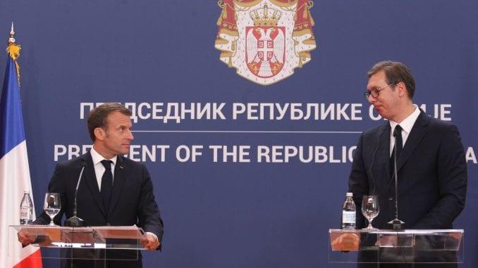 Telefonski razgovor Vučića i Makrona o pandemiji 3