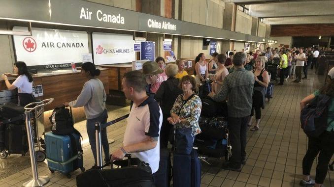 Nekoliko desetina putnika povređeno na letu Er Kanade usled turbulencije 1