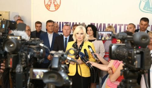 Mihajlović sa načelnicima okruga Srbije u Dimitrovgradu 6
