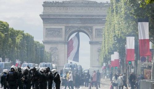 U Parizu incidenti posle vojne parade 9