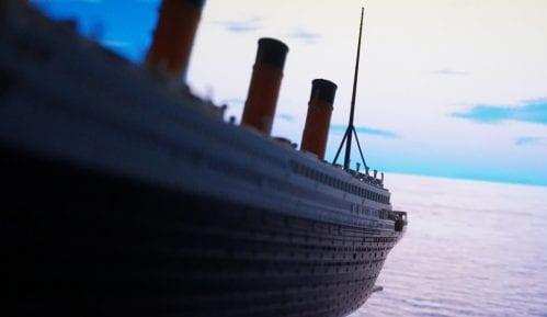 Štap za hodanje žene koja je preživela brodolom Titanika prodat za 62.500 dolara 14