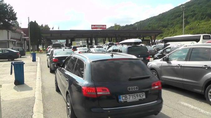 Očekuju se velike gužve na prelazu Gradina tokom vikenda 4