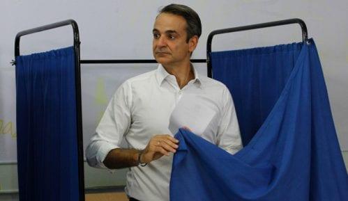 Vučić Micotakisu: Sestrinska SNS vašu pobedu doživljava kao pobedu svih nas iz ENP 11