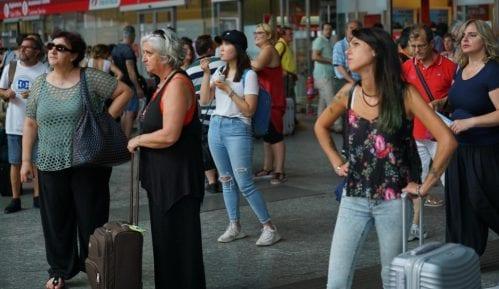 Požar doveo do otkazivanja desetina polazaka brzih vozova u Italiji 11