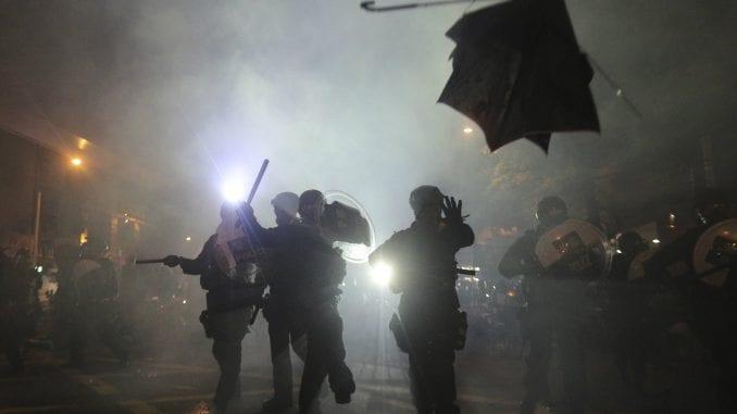 Novo nasilje na protestima u Hongkongu, policija bacala suzavac 1