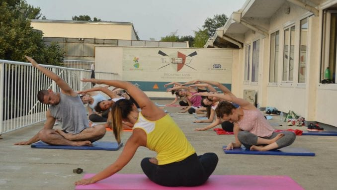 Međunarodni dan joge obeležen u Beogradu 2