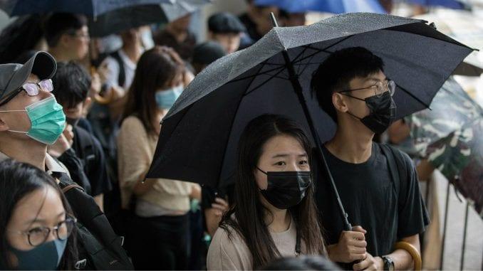 U Hongkongu pred sudom 23 osobe optužene za nerede 1