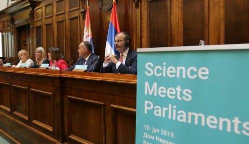 Dan nauke obeležen konferencijom o klimatskim promenama u Skupštini 7