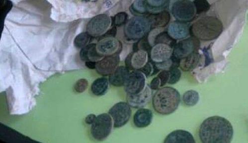 Carinici kod turskog državljanina otkrili veliku numizmatičku kolekciju 3