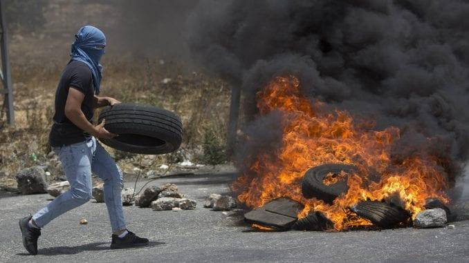 Više od 100 Palestinaca ranjeno u protestima na granici Gaze 1