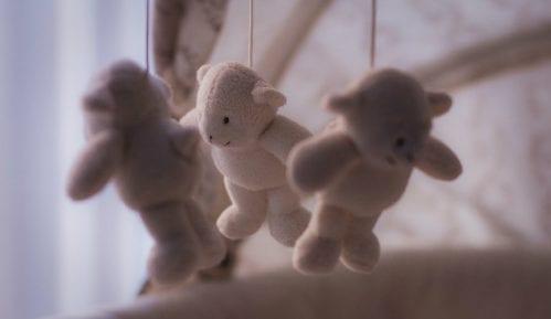 Prepolovljena stopa smrtnosti novorođenčadi u EU 8