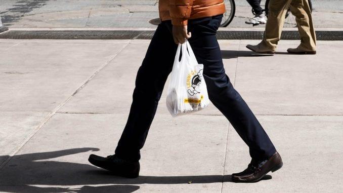 Upotreba plastičnih kesa u Srbiji smanjena za 80 odsto 1