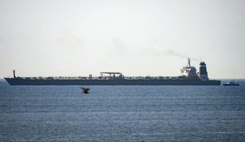Zbog jakog vetra obustavljena plovidba Dunavom kod Velikog Gradišta 7