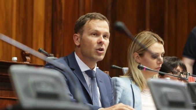 Tomić: Cilj obaranja doktorata na BU je obaranje svih doktorata koji pripadaju SNS 3