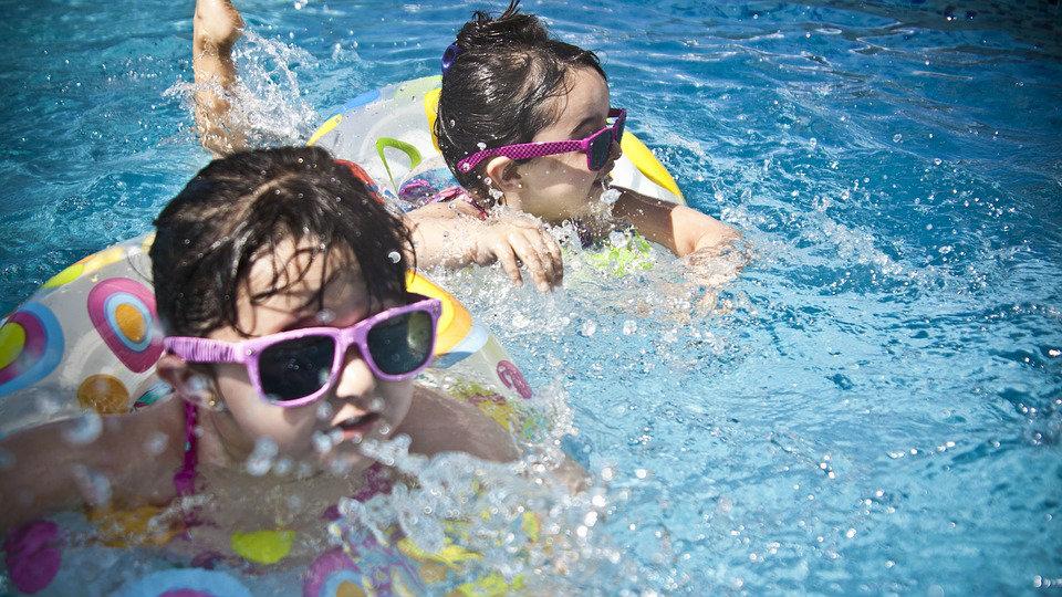 Kako da deca budu bezbedna u dvorišnim bazenima? 2