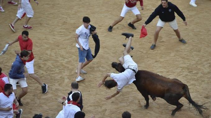 Šest povređenih u novoj trci s bikovima u Pamploni 2
