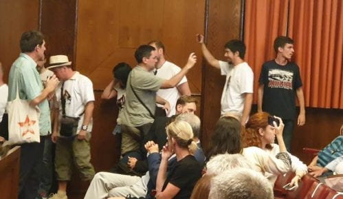 Borović: Prekidanje predstave zaslužuje prekršajne prijave 14