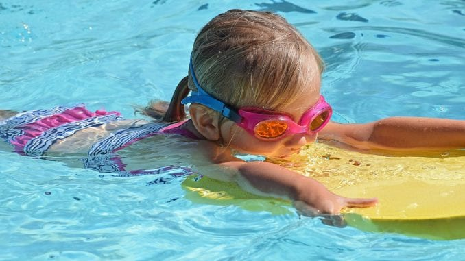 Kako da deca budu bezbedna u dvorišnim bazenima? 1