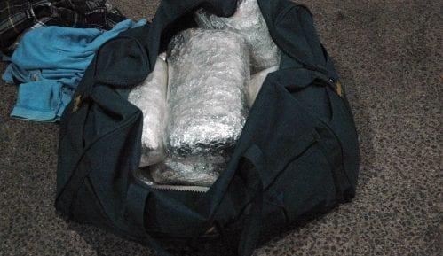 Skrivao više od šest kilograma marihuane u putnoj torbi na graničnom prelazu 1