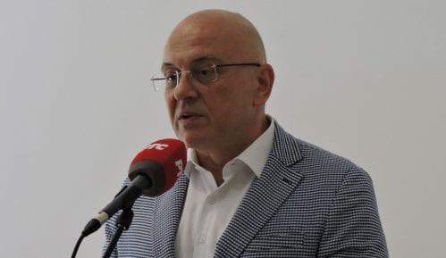 NDNV zahteva smenjivanje ministra Vukosavljevića zbog vređanja novinara 13