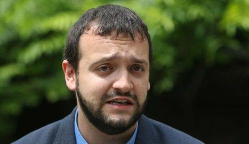 Stojanović: Međunarodna zajednica da upali alarm zbog pada demokratije u Srbiji 9