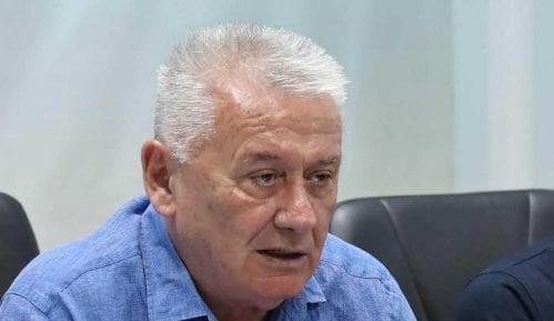 Hospitalizovan lider Nove Srbije Velimir Ilić 5