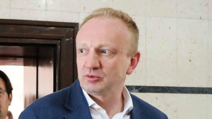 Đilas odbio da novinarima Pinka i Informera govori o paljenju knjige Gorana Vesića 1