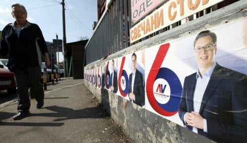 Za cepanje plakata sa Vučićevim likom kazna 10.000 13