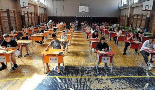 Godina zatvora za krađu testova za malu maturu 10