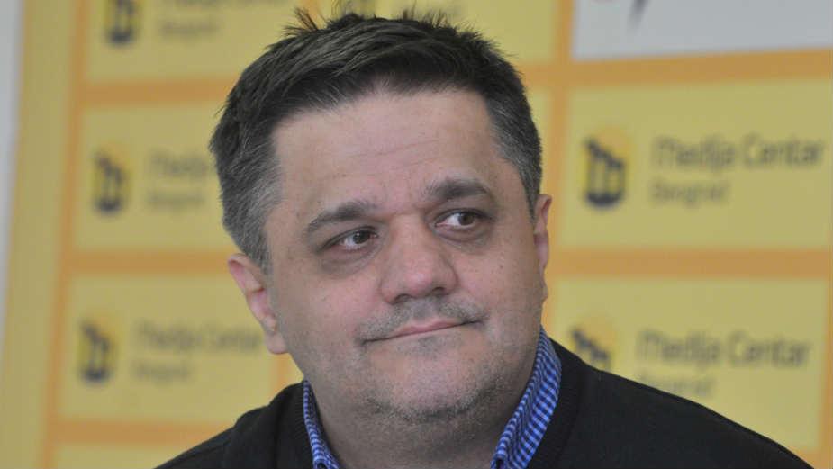 Gavrilović: Građani apolitični jer je politika rezervisana za Vučića 1