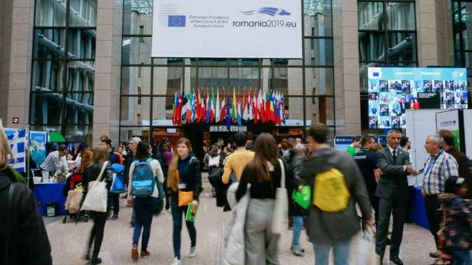 Politika i mediji odgovorni za nepoverenje mladih u EU 1