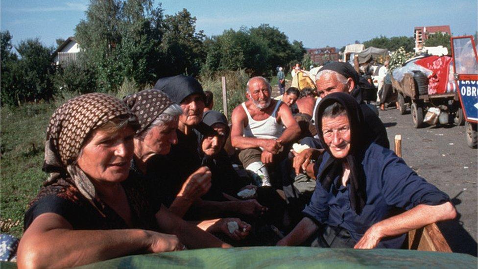 Srbi beže od Oluje. avgust 1995