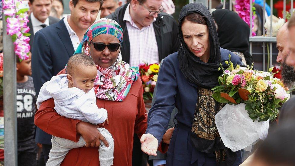 Novozelandska premijerka Džasinca Ardern u poseti džamiji Kilbirni