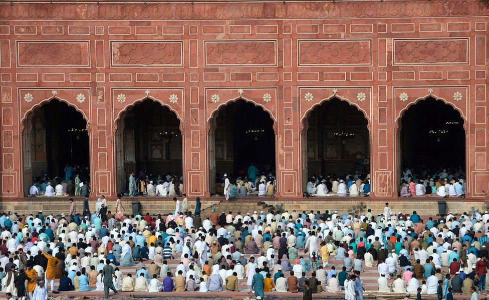 Molitva u Badaši džamiji u Lahoru