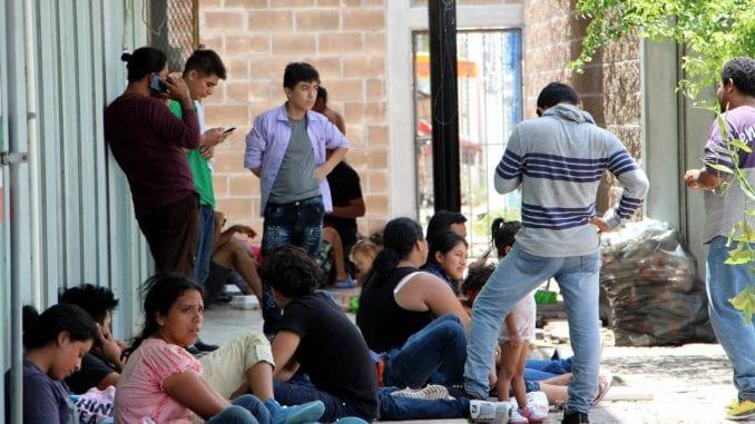 Žene u crnom traže zaustavljanje nezakonitih noćnih patrola koje presreću migrante 4
