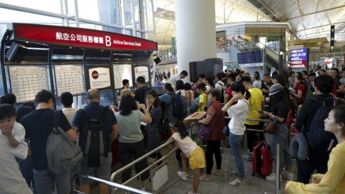 Hiljade demonstranata ponovo na aerodromu u Hongkongu, otkazano više od 100 letova 4