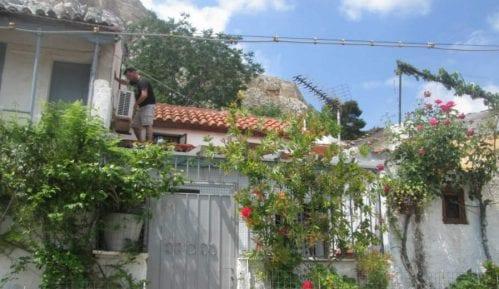 Atina: Ostrvo bez mora 15