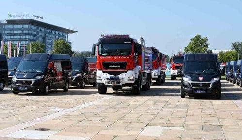 Sektor MUP Srbije za vanredne situacije dobio 80 vozila 15