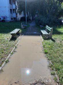 Ulica u Rakovici poplavljena već četvrti dan 4