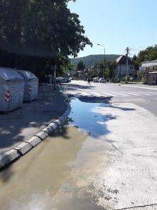 Ulica u Rakovici poplavljena već četvrti dan 2