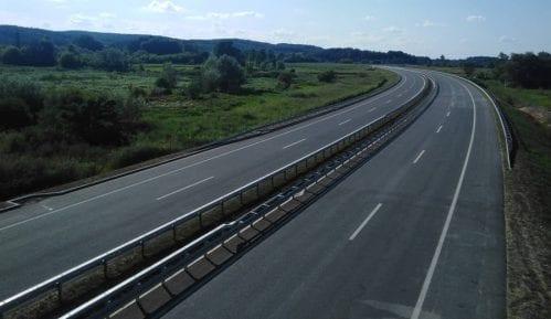 Na auto-put se srušio deo mosta kod Jagodine 4