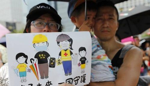 Nekoliko stotina demonstranata sa porodicama na ulicama Hongkonga 8