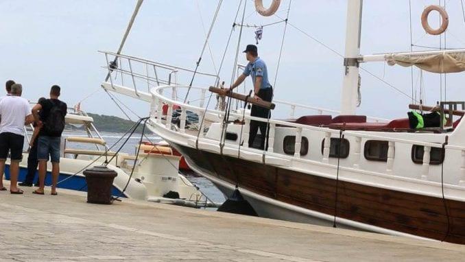 Uhapšeni vlasnik i kapetan broda na kojem su se otrovali Italijani na Hvaru 1