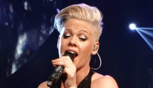 Američka pop pevačica Pink donira 500.000 dolara za borbu protiv požara u Australiji 6