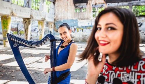 Kreativne devojke: Harfa i vokala u elektro izdanju 1