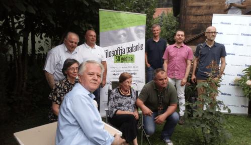 Matine ispred drvene kuće na ponos srpske kulture 5